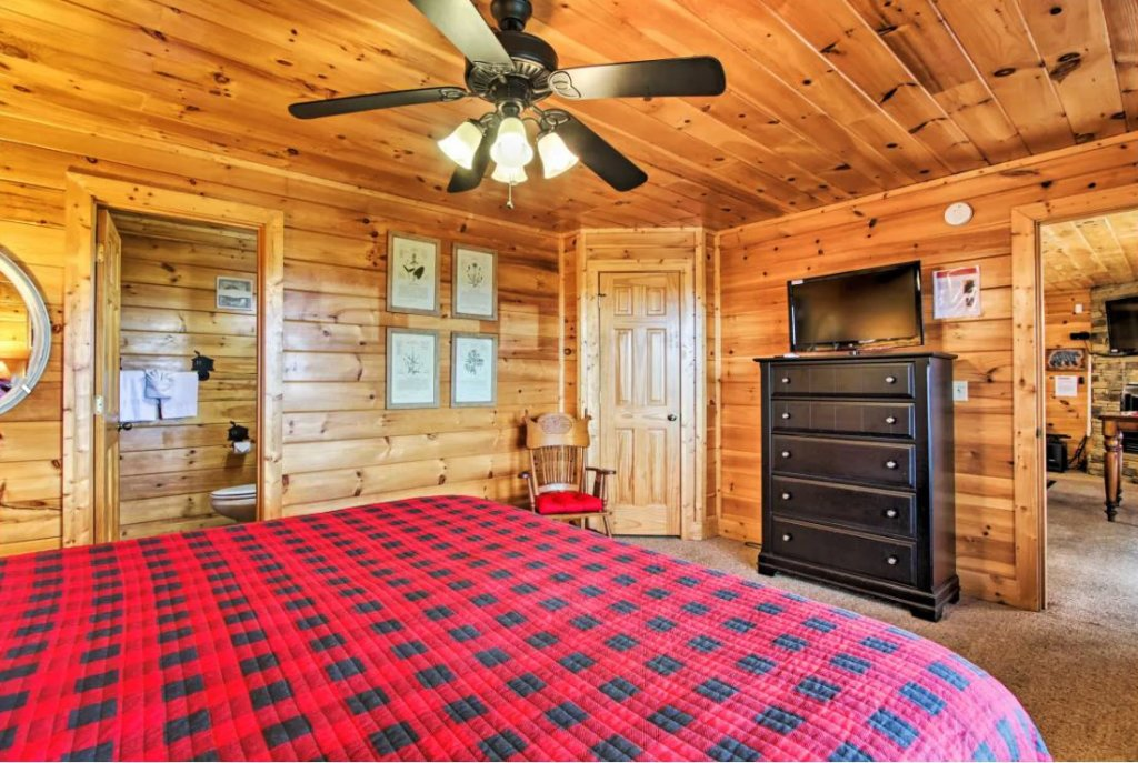 Photo of a Sevierville Cabin named Tennessee Star Lodge - This is the eighteenth photo in the set.