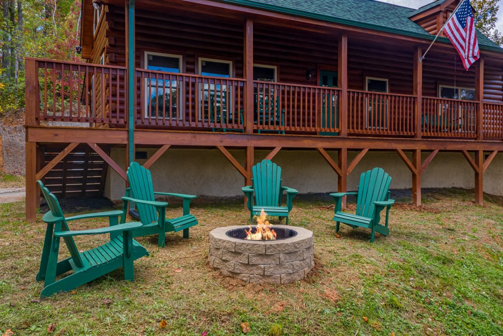 Photo of a Gatlinburg Cabin named Smoky Retreat - This is the eighteenth photo in the set.