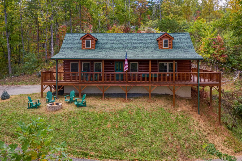 Photo of a Gatlinburg Cabin named Smoky Retreat - This is the twenty-third photo in the set.
