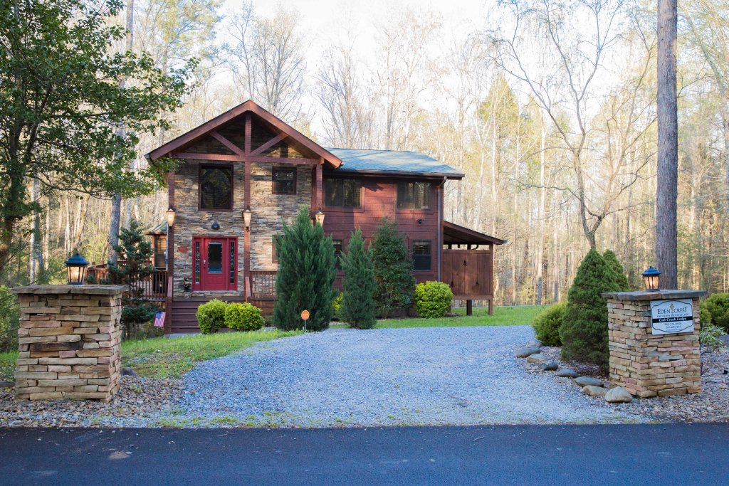 Photo of a Sevierville Cabin named Cub Creek Lodge - This is the thirty-ninth photo in the set.