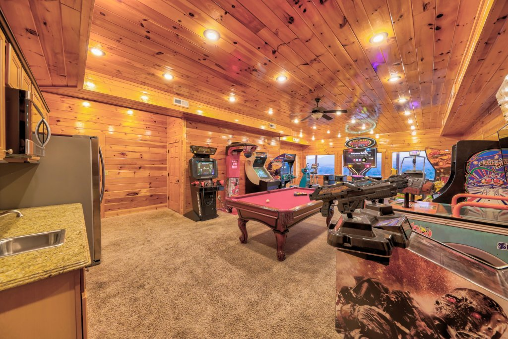 Photo of a Sevierville Cabin named Serenity Mountain Pool Lodge - This is the twenty-fifth photo in the set.