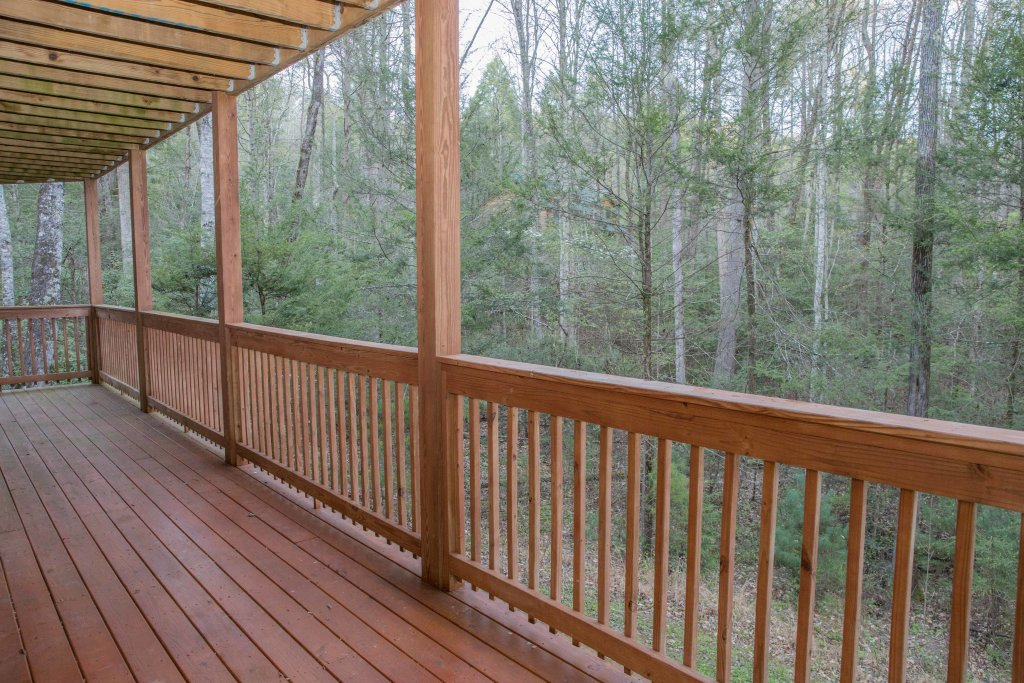Photo of a Sevierville Cabin named Cub Creek Lodge - This is the forty-seventh photo in the set.