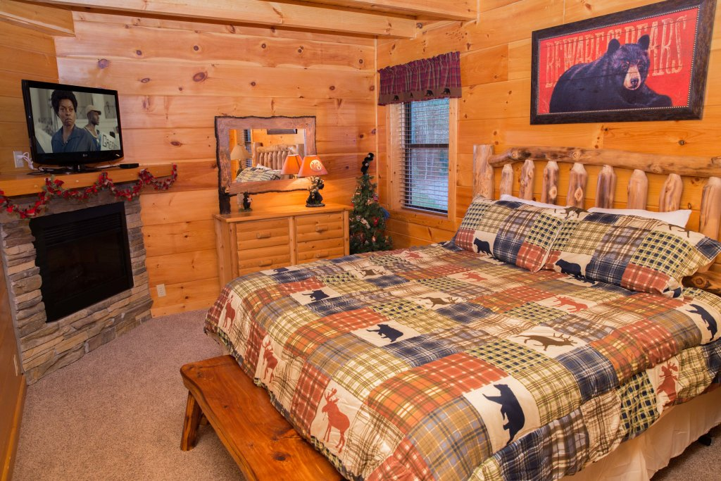 Photo of a Sevierville Cabin named Cub Creek Lodge - This is the thirteenth photo in the set.