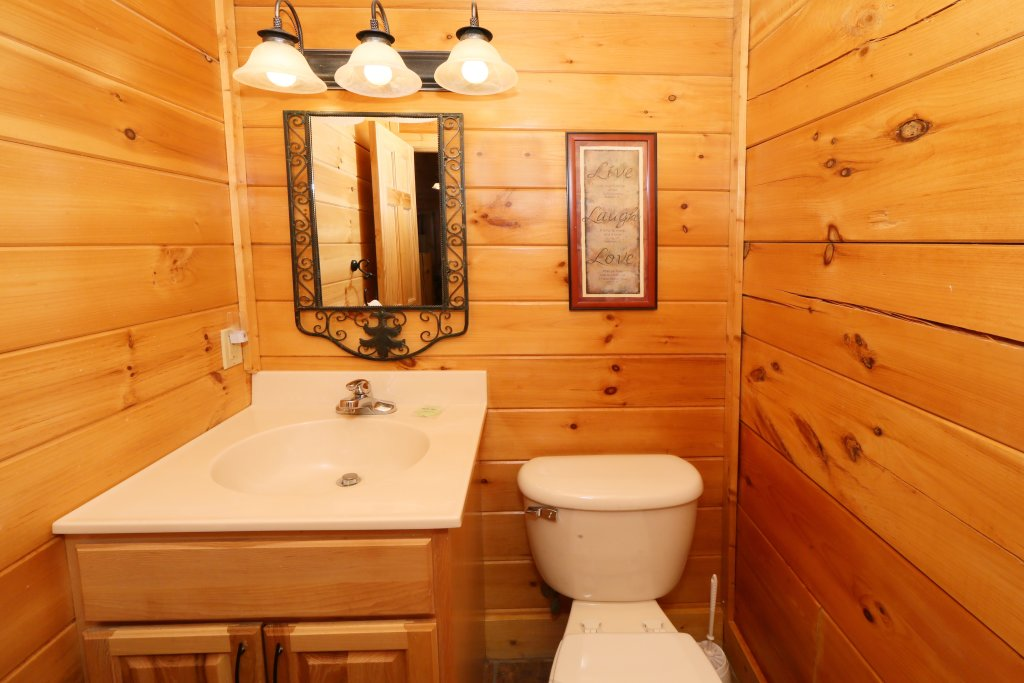 Photo of a Sevierville Cabin named Mountain Fun - This is the twelfth photo in the set.