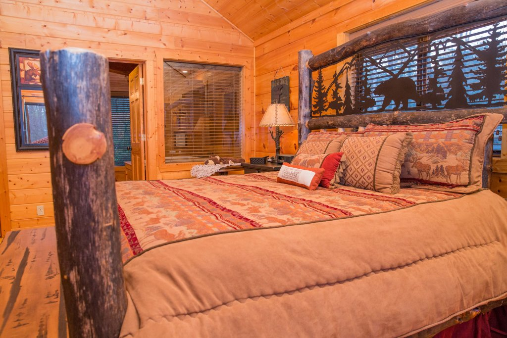 Photo of a Sevierville Cabin named Cub Creek Lodge - This is the eighth photo in the set.