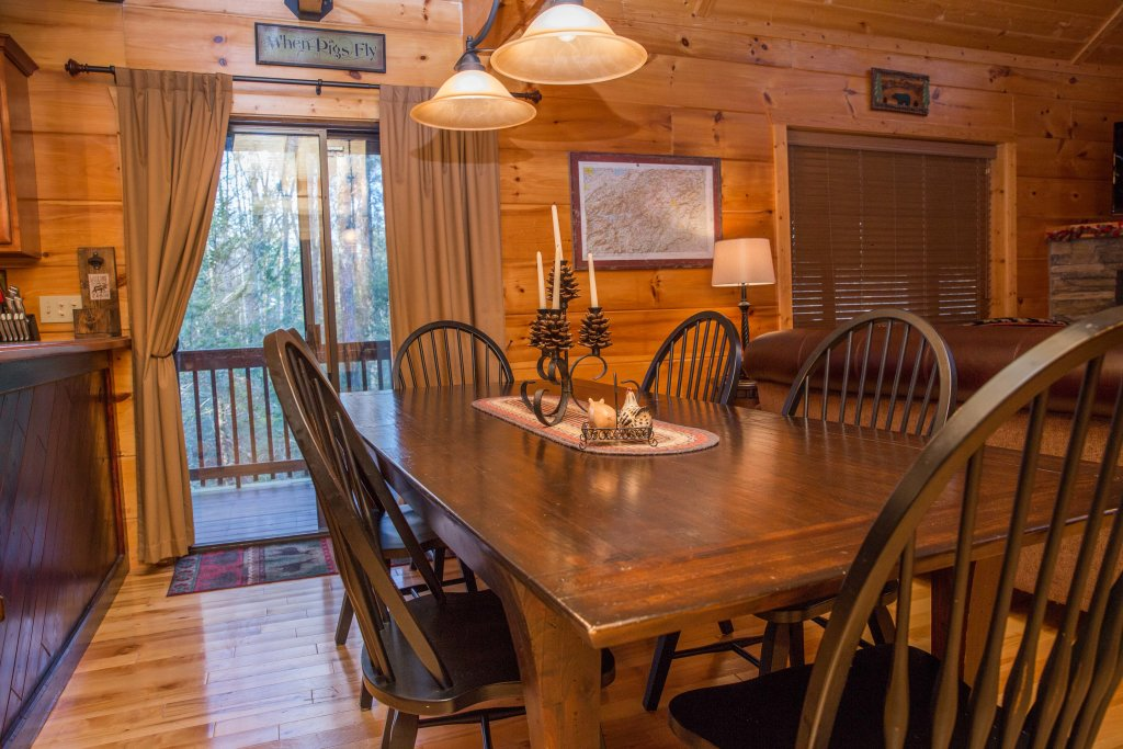 Photo of a Sevierville Cabin named Cub Creek Lodge - This is the thirty-sixth photo in the set.