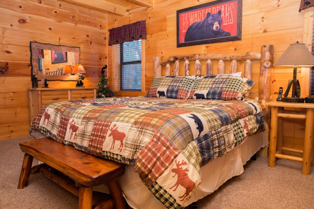 Photo of a Sevierville Cabin named Cub Creek Lodge - This is the fourteenth photo in the set.