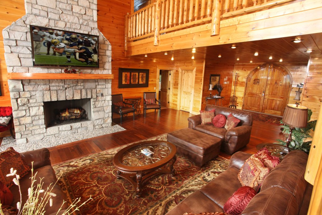 Photo of a Sevierville Cabin named Serenity Mountain Pool Lodge - This is the third photo in the set.