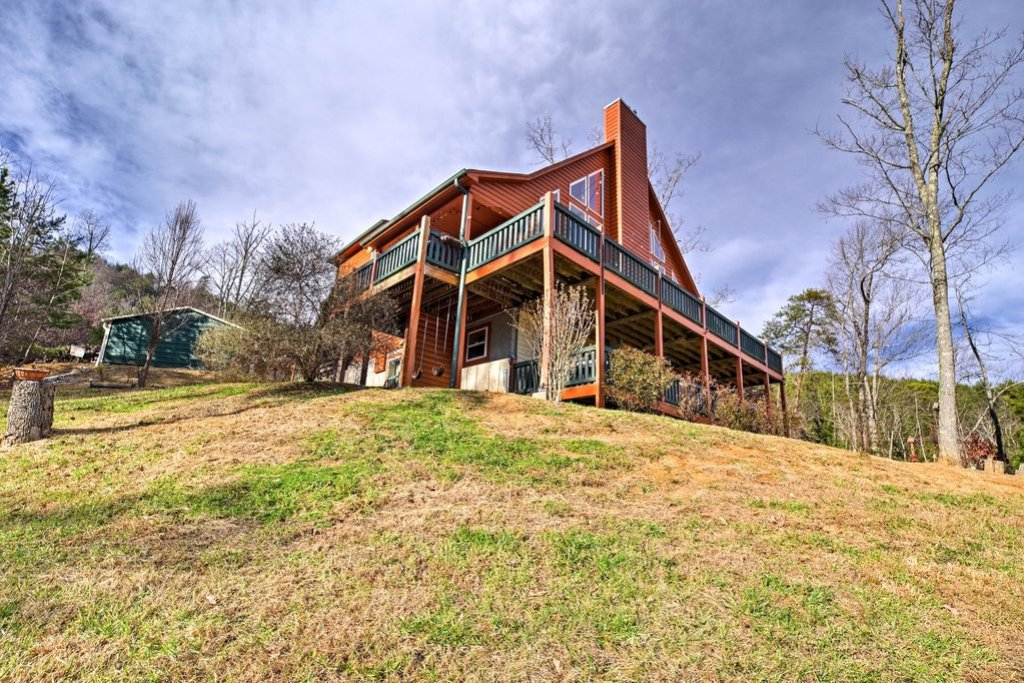 Photo of a Sevierville Cabin named Makin' Memories - This is the forty-second photo in the set.