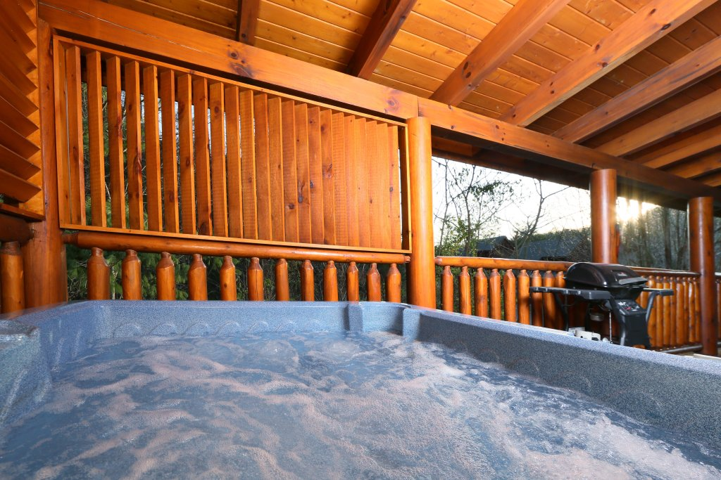 Photo of a Sevierville Cabin named Mountain Fun - This is the twenty-first photo in the set.