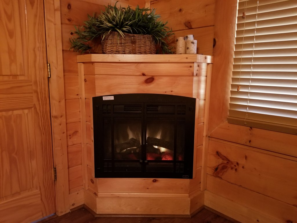 Photo of a Sevierville Cabin named Mountain Fun - This is the sixth photo in the set.