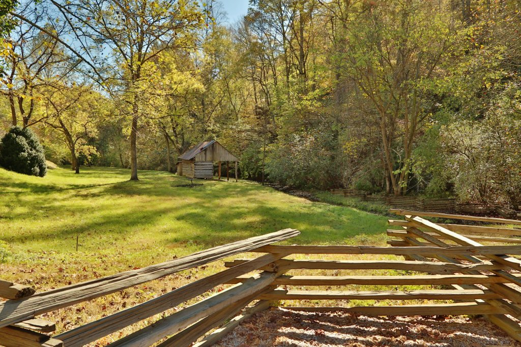 Photo of a Sevierville Cabin named Psalm 2705 - This is the forty-fifth photo in the set.