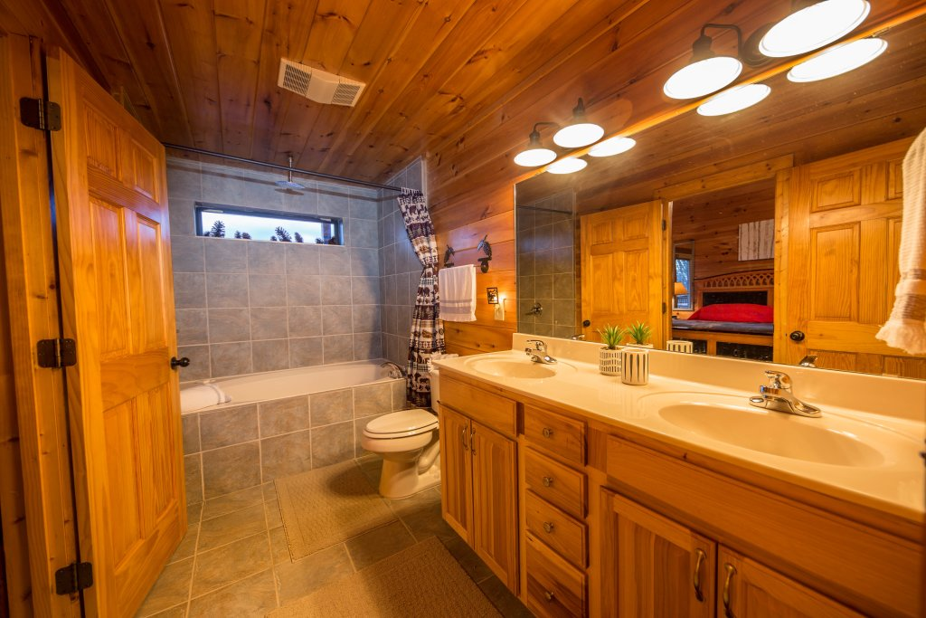 Photo of a Sevierville Cabin named Psalm 2705 - This is the eighth photo in the set.