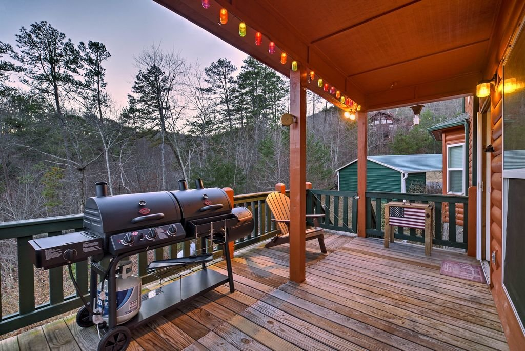 Photo of a Sevierville Cabin named Makin' Memories - This is the forty-eighth photo in the set.