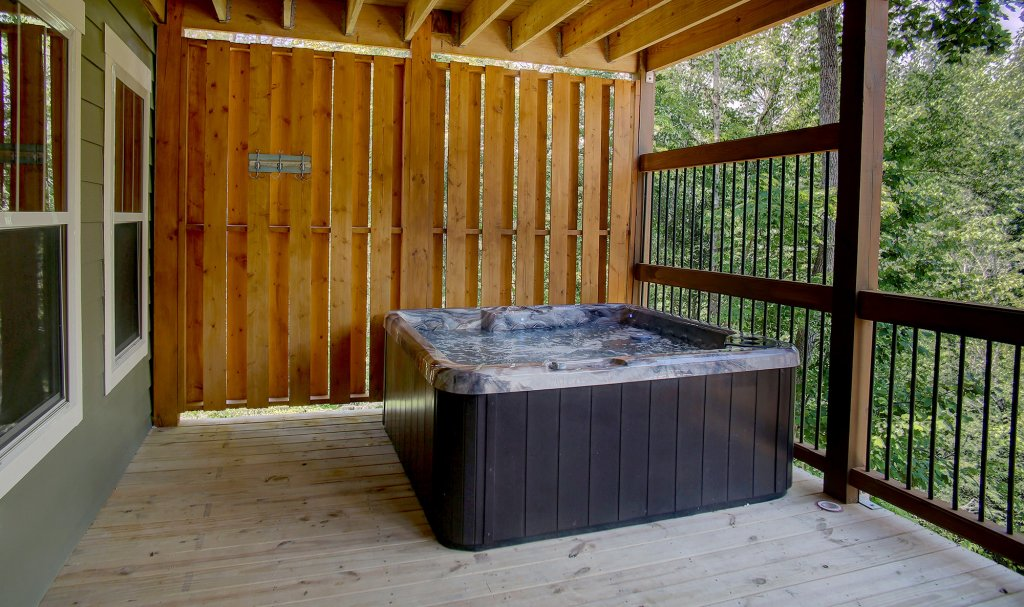 Photo of a Gatlinburg Cabin named A Splash Of Blue - This is the fifty-seventh photo in the set.