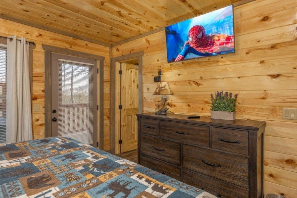 Photo of a Pigeon Forge Cabin named Everly's Splash - This is the seventeenth photo in the set.