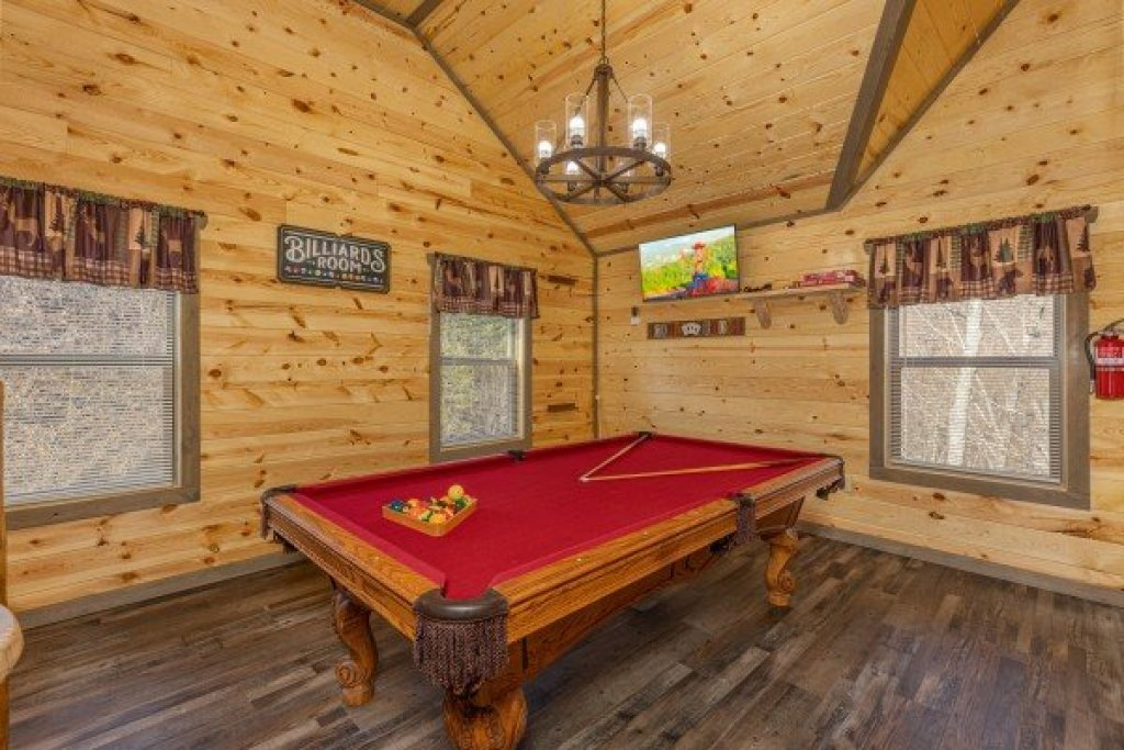 Photo of a Pigeon Forge Cabin named Everly's Splash - This is the twentieth photo in the set.