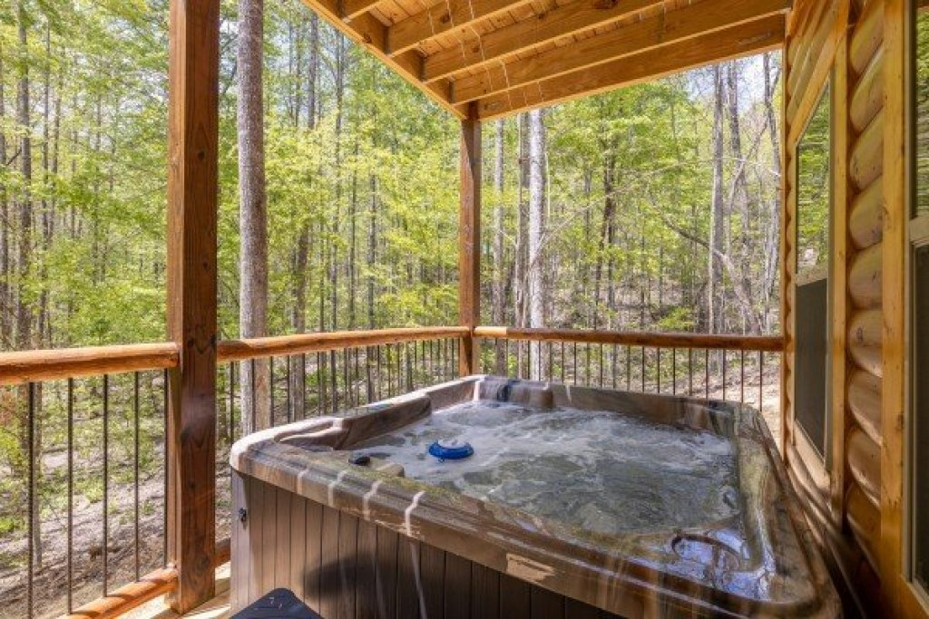 Photo of a Gatlinburg Cabin named Poolin Around - This is the twelfth photo in the set.