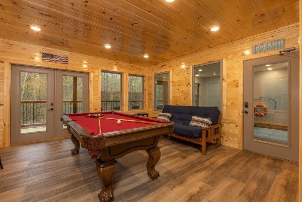 Photo of a Gatlinburg Cabin named Poolin Around - This is the fifteenth photo in the set.