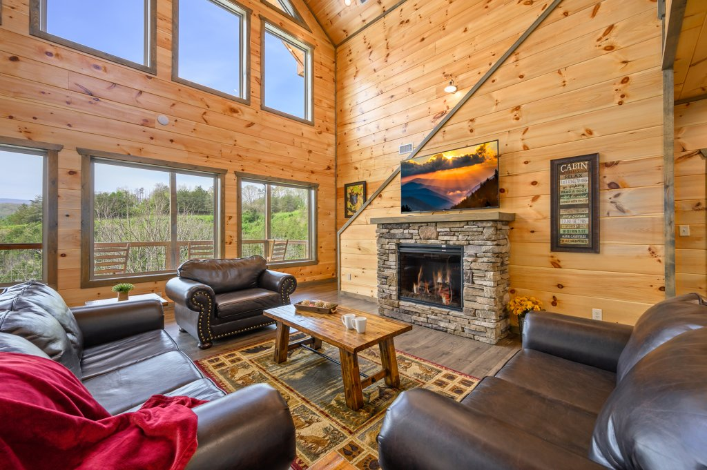 Photo of a Pigeon Forge Cabin named Bear Foot Retreat - This is the fifth photo in the set.