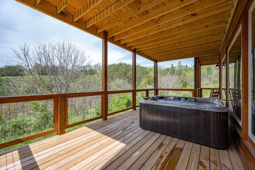 Photo of a Pigeon Forge Cabin named Bear Foot Retreat - This is the thirty-second photo in the set.
