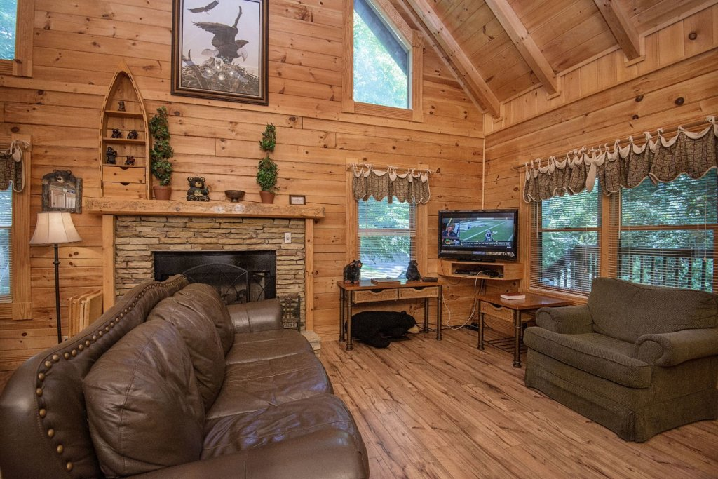 Photo of a Pigeon Forge Cabin named  Mount Richmond - This is the fifth photo in the set.