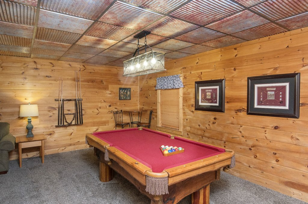 Photo of a Pigeon Forge Cabin named  Coal Miners Cabin - This is the thirtieth photo in the set.