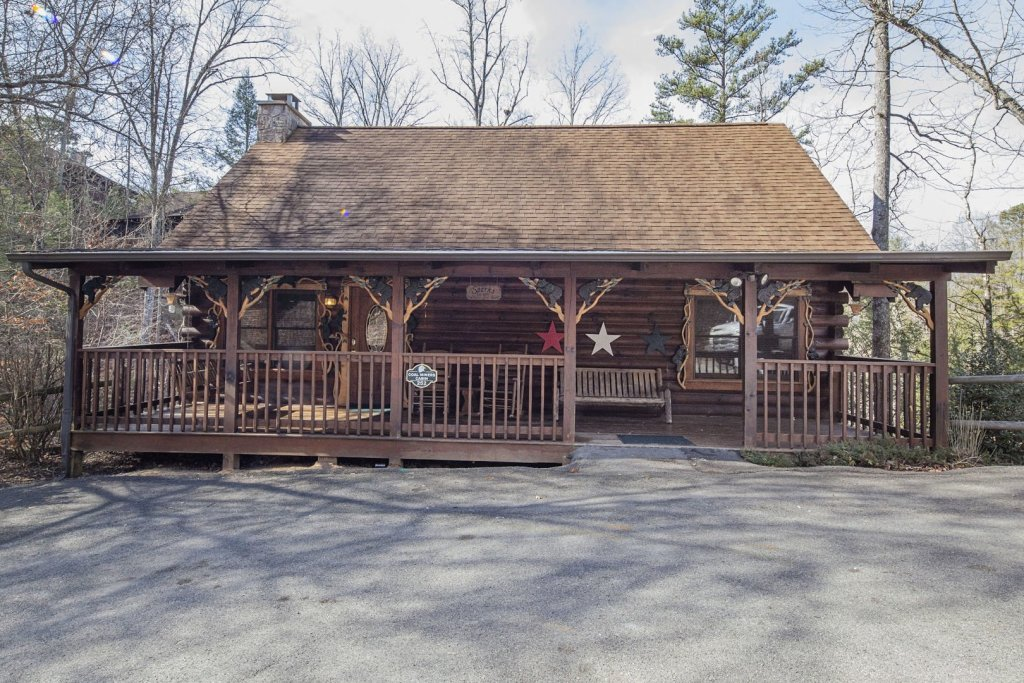 Photo of a Pigeon Forge Cabin named  Coal Miners Cabin - This is the first photo in the set.