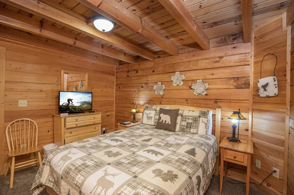 Photo of a Pigeon Forge Cabin named  Coal Miners Cabin - This is the seventy-second photo in the set.