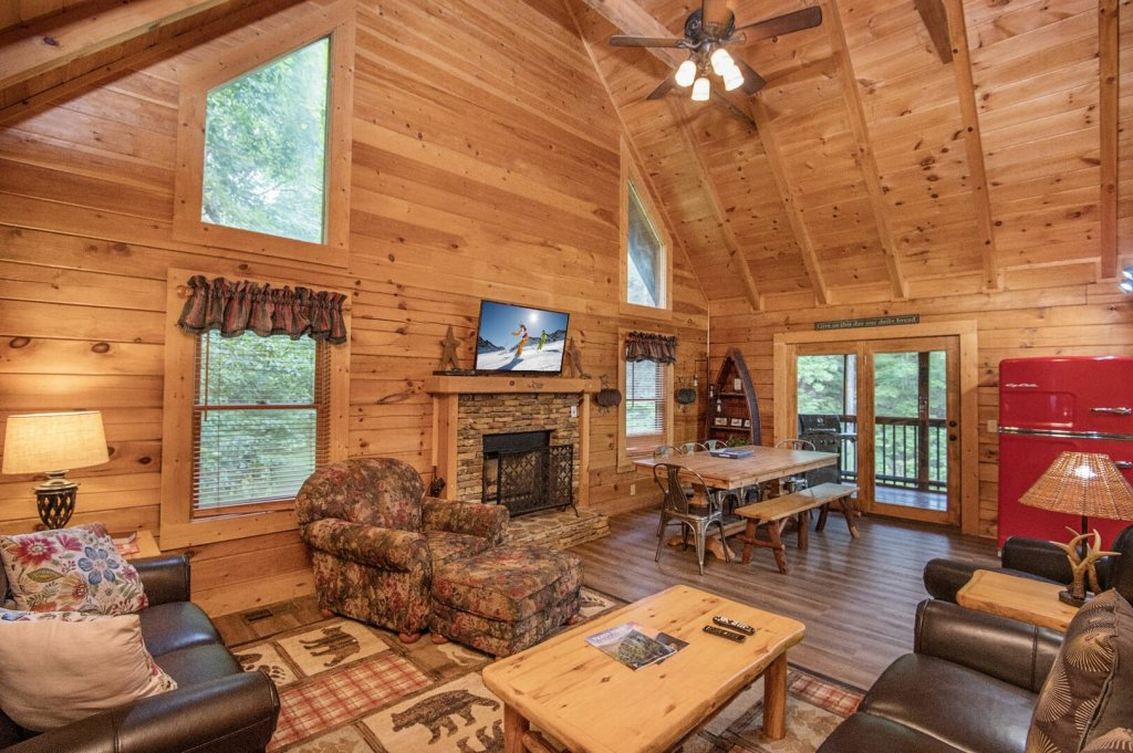 Photo of a Pigeon Forge Cabin named  Coal Miners Cabin - This is the fifteenth photo in the set.