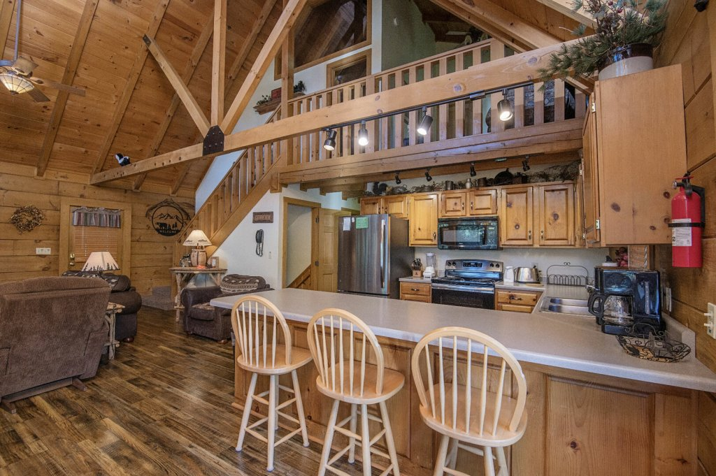 Photo of a Pigeon Forge Cabin named  Hibernation Hideaway - This is the twentieth photo in the set.