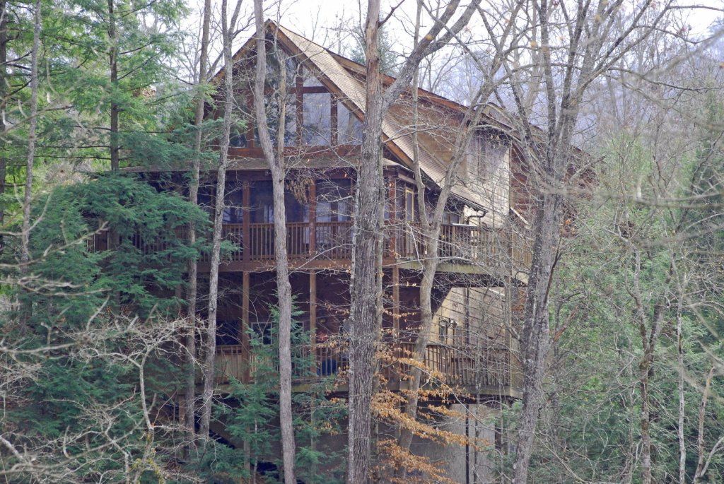 Photo of a Pigeon Forge Cabin named  Hibernation Hideaway - This is the tenth photo in the set.