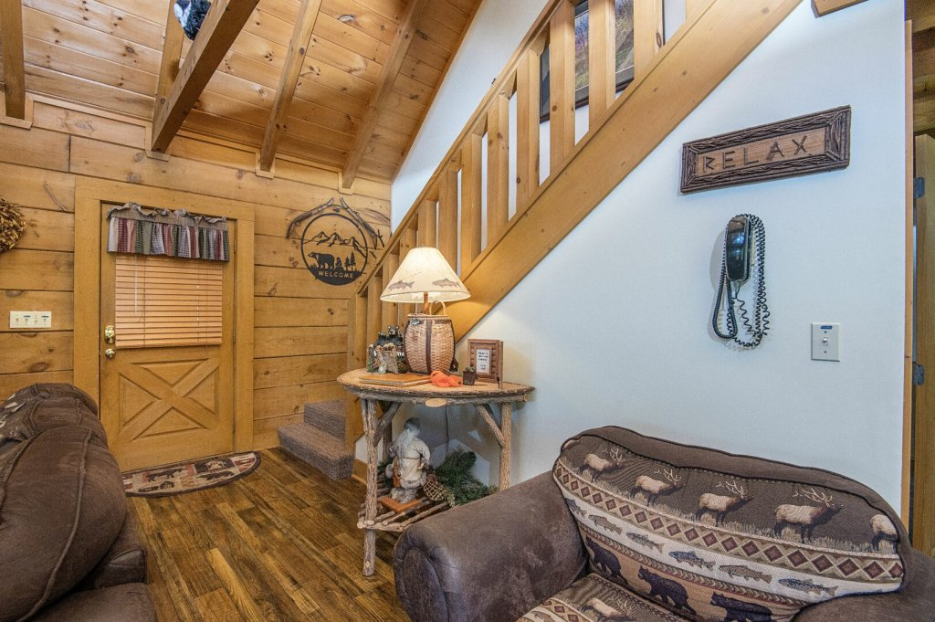 Photo of a Pigeon Forge Cabin named  Hibernation Hideaway - This is the twelfth photo in the set.