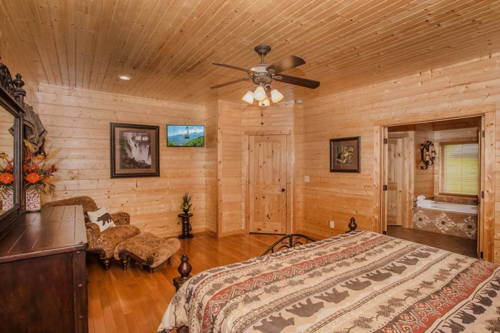 Photo of a Sevierville Cabin named Clear Valley Retreat - This is the thirtieth photo in the set.