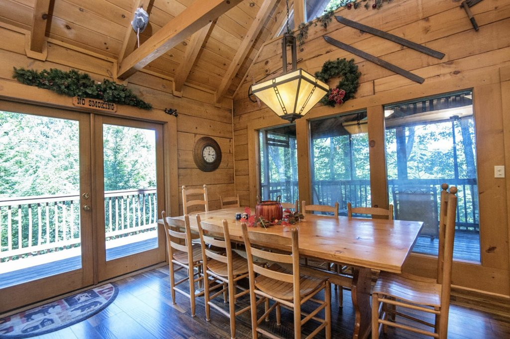 Photo of a Pigeon Forge Cabin named  Hibernation Hideaway - This is the sixteenth photo in the set.