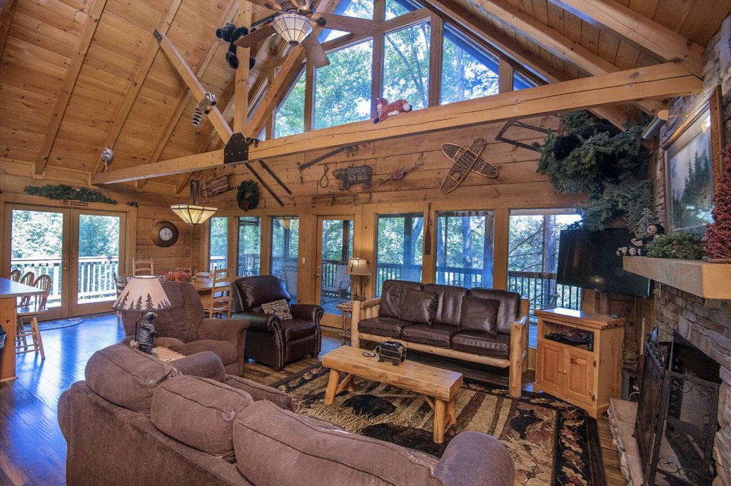 Photo of a Pigeon Forge Cabin named  Hibernation Hideaway - This is the seventh photo in the set.