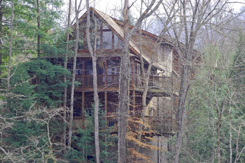 Photo of a Pigeon Forge Cabin named  Hibernation Hideaway - This is the ninth photo in the set.
