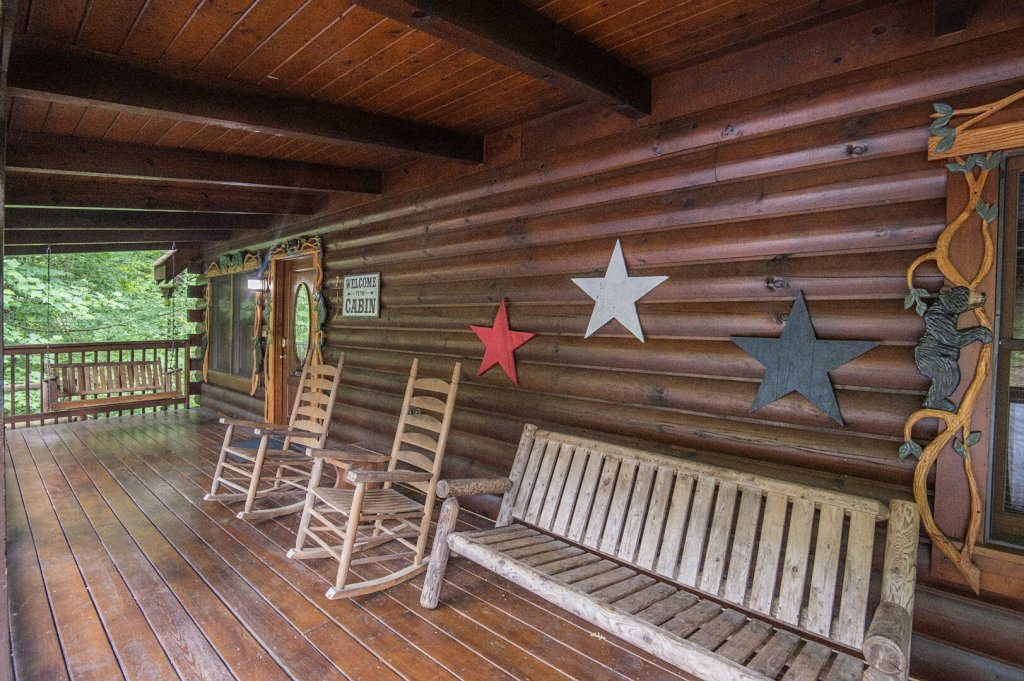 Photo of a Pigeon Forge Cabin named  Coal Miners Cabin - This is the seventieth photo in the set.