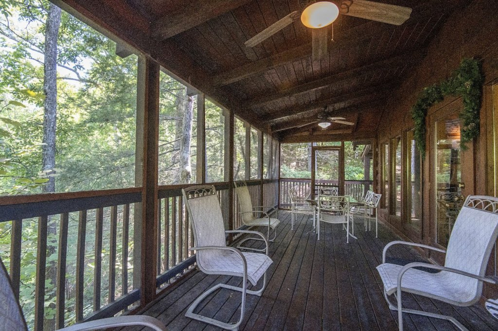 Photo of a Pigeon Forge Cabin named  Hibernation Hideaway - This is the seventy-second photo in the set.