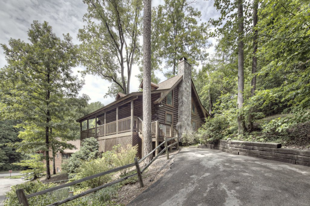 Photo of a Pigeon Forge Cabin named  Mount Richmond - This is the eighteenth photo in the set.