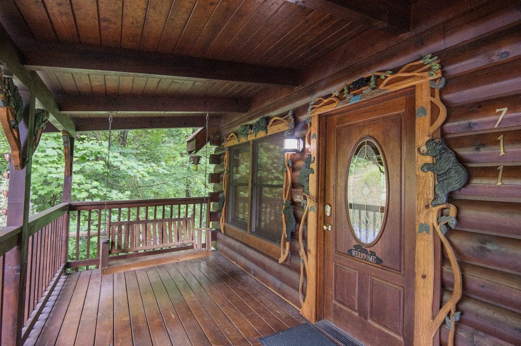 Photo of a Pigeon Forge Cabin named  Coal Miners Cabin - This is the sixty-fifth photo in the set.