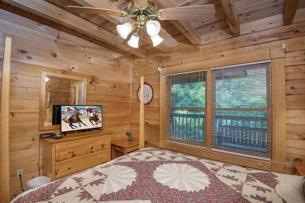 Photo of a Pigeon Forge Cabin named  Mount Richmond - This is the fifty-first photo in the set.