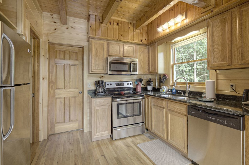 Photo of a Sevierville Cabin named Tranquility - This is the twenty-fifth photo in the set.