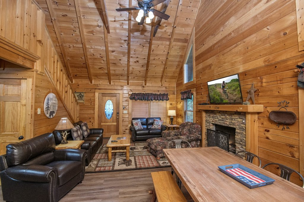 Photo of a Pigeon Forge Cabin named  Coal Miners Cabin - This is the eighth photo in the set.