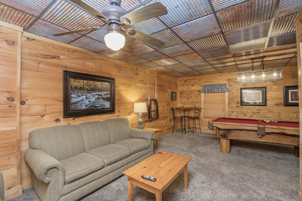 Photo of a Pigeon Forge Cabin named  Coal Miners Cabin - This is the thirty-first photo in the set.