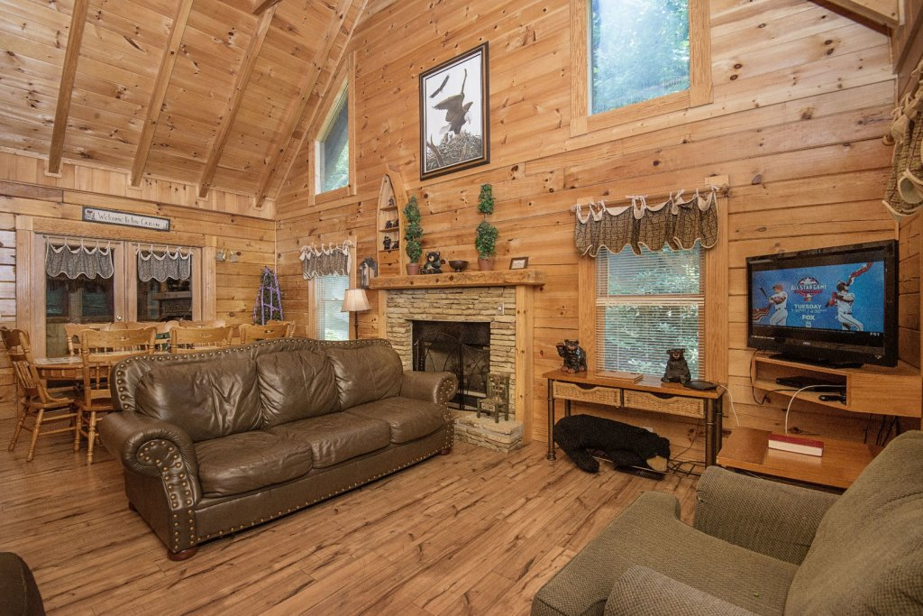 Photo of a Pigeon Forge Cabin named  Mount Richmond - This is the seventh photo in the set.