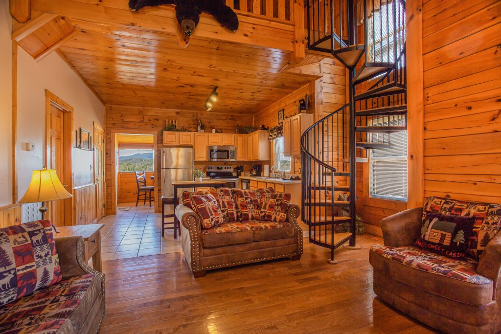 Photo of a Pigeon Forge Cabin named Bear Claw - This is the first photo in the set.