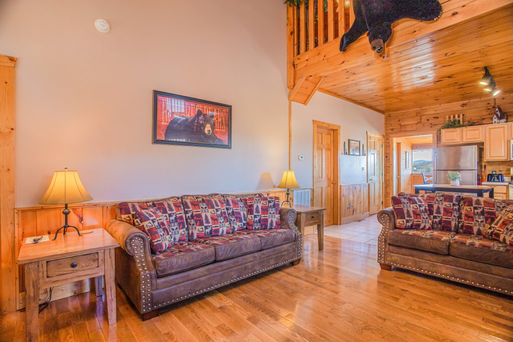 Photo of a Pigeon Forge Cabin named Bear Claw - This is the sixteenth photo in the set.