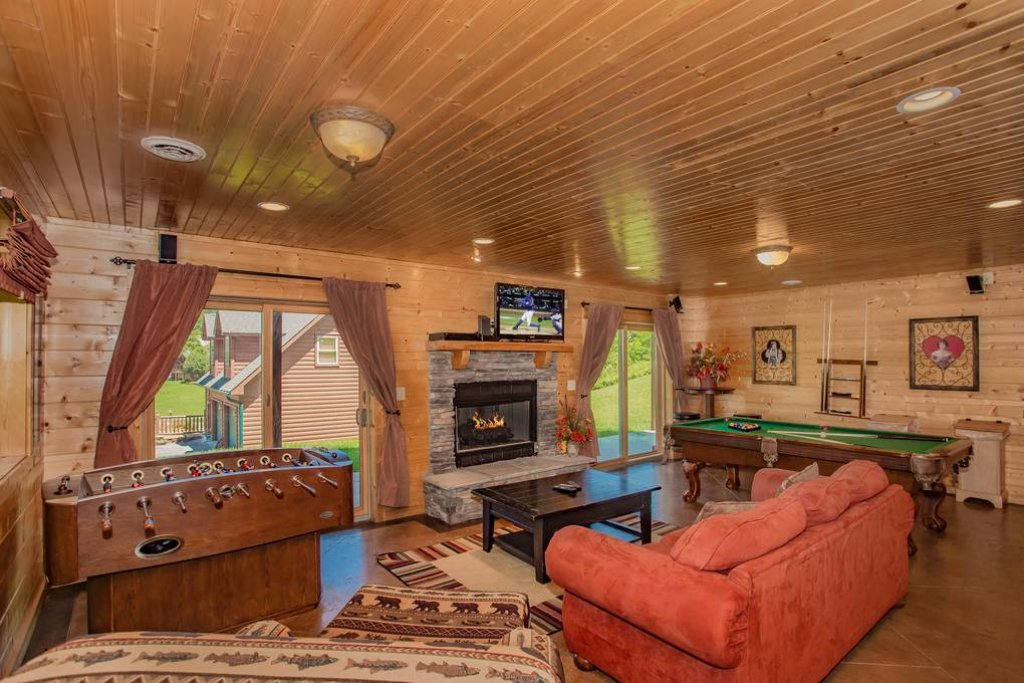 Photo of a Sevierville Cabin named Clear Valley Retreat - This is the forty-third photo in the set.