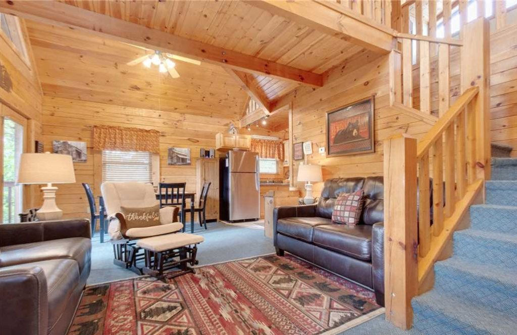 Photo of a Gatlinburg Cabin named Hibernation Station - This is the eightieth photo in the set.